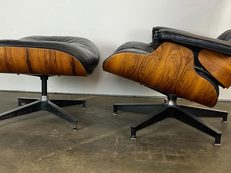 Gorgeous Herman Miller Eames Lounge Chair and Ottoman For Sale 7