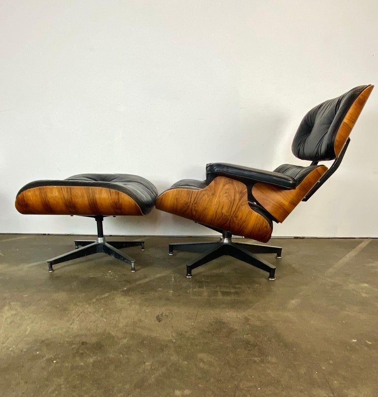 Gorgeous Herman Miller Eames Lounge Chair and Ottoman For Sale 8