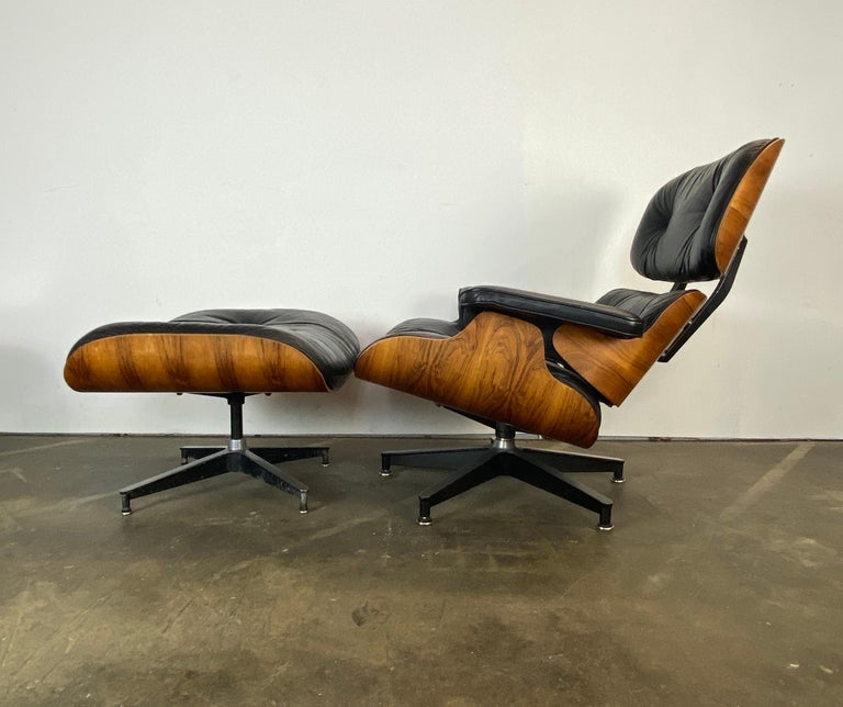 Gorgeous Herman Miller Eames Lounge Chair and Ottoman For Sale 9