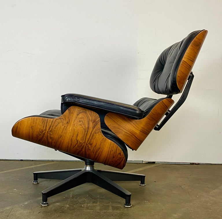 20th Century Gorgeous Herman Miller Eames Lounge Chair and Ottoman For Sale