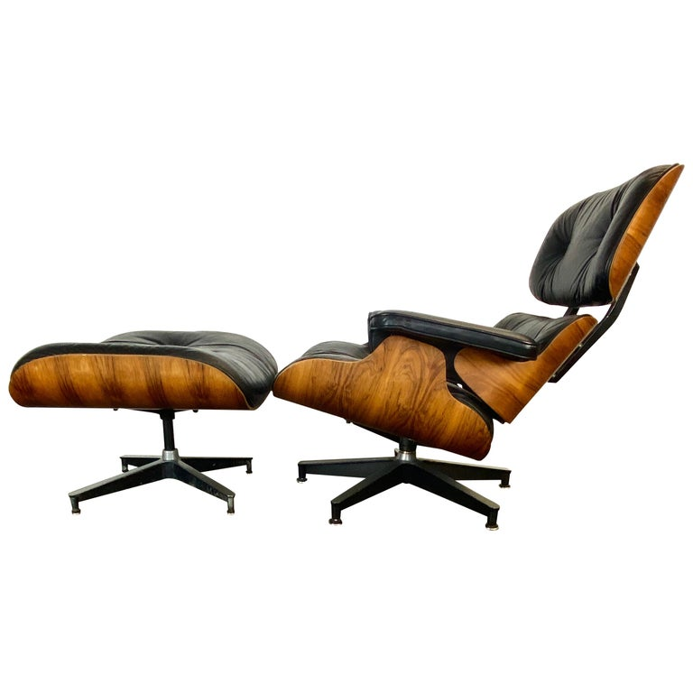 Gorgeous Herman Miller Eames Lounge Chair and Ottoman For Sale