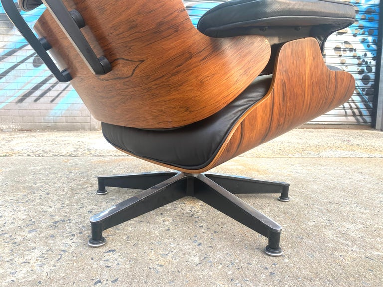 Gorgeous Herman Miller Eames Rosewood Lounge Chair and Ottoman For Sale 5
