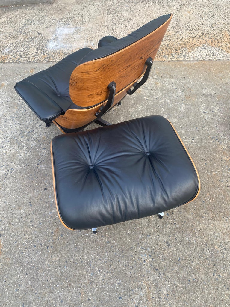 Gorgeous Herman Miller Eames Rosewood Lounge Chair and Ottoman For Sale 6
