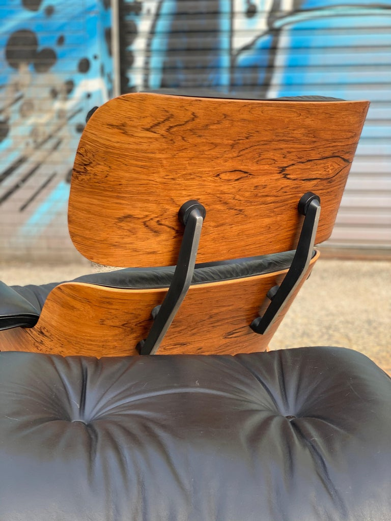 American Gorgeous Herman Miller Eames Rosewood Lounge Chair and Ottoman For Sale