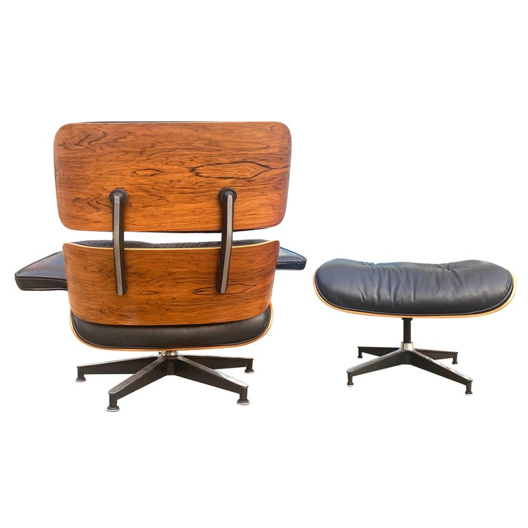 Gorgeous Herman Miller Eames Rosewood Lounge Chair and Ottoman For Sale