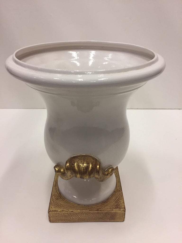 Neoclassical Gorgeous Italian Pair of Cream and Gold Ceramic Urns For Sale