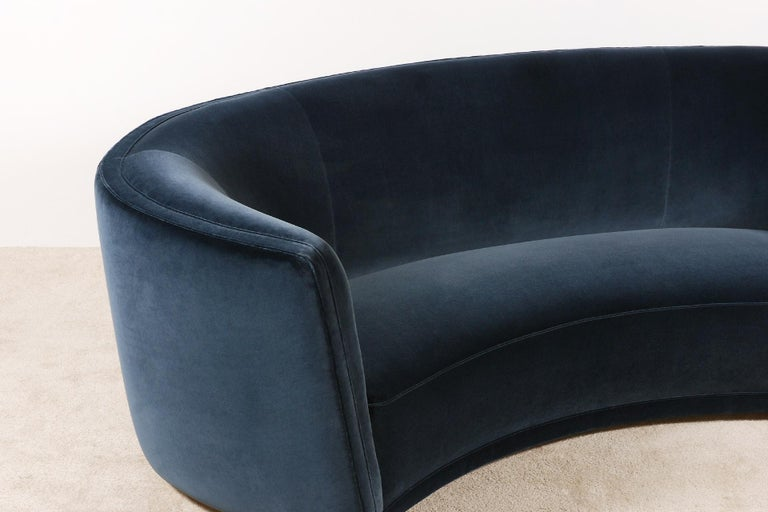 Gorgeous Large Three-Seat Danish Curved Sofa from 1930s In Excellent Condition For Sale In Paris, FR