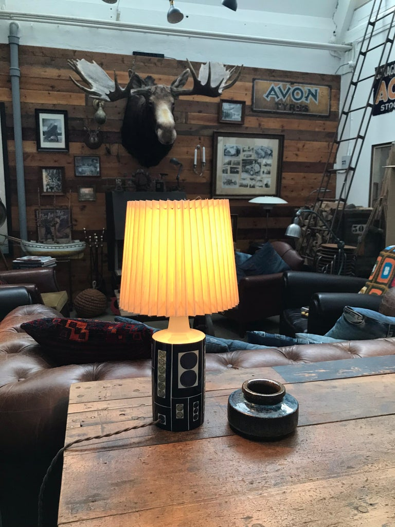 Mid-20th Century Gorgeous Midcentury Pottery Table Lamp by Fog & Mørup with Its Original Shade For Sale