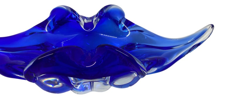 Mid-Century Modern Gorgeous Murano Art Glass Sommerso Fruit Bowl Blue and Clear Vintage, Italy For Sale