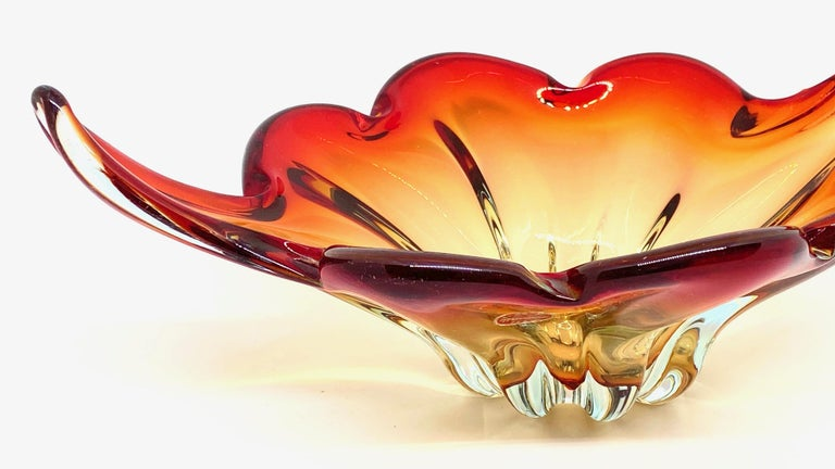Italian Gorgeous Murano Art Glass Sommerso Fruit Bowl Red, Orange, Clear Vintage, Italy For Sale