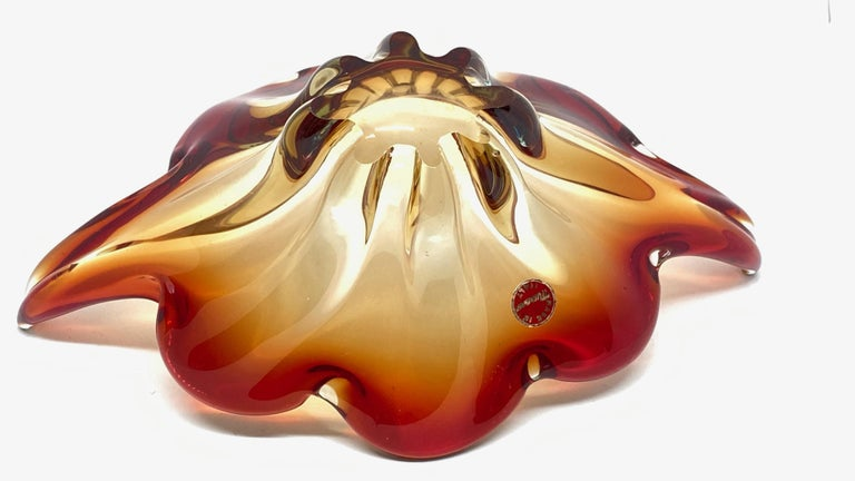 Late 20th Century Gorgeous Murano Art Glass Sommerso Fruit Bowl Red, Orange, Clear Vintage, Italy For Sale