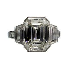 Gorgeous Platinum 4.18 Carat Center Diamond Ring