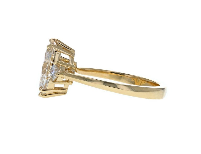 Marquise Cut Gorgeous Three-Stone Diamond Engagement Ring with Marquise Diamond Center For Sale