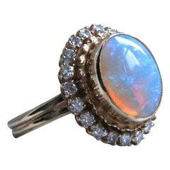 Gorgeous Vintage Opal and Diamond 14 Karat Gold Ring Engagement Ring, 2.72 Carat