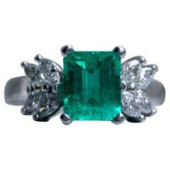 Gorgeous Vintage Platinum Diamond and Emerald Ring Ring, 2.80 Carat