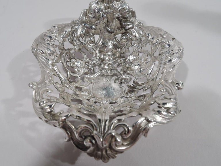 Gorham Art Nouveau Rococo Sterling Silver Bonbon Scoop In Excellent Condition For Sale In New York, NY
