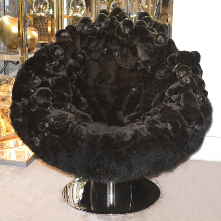 Armchair gorillas made with small gorillas on all the back seat. Minutely handmade piece, handcrafted details with high quality synthetic black fur and black hairs. Exceptional piece, limited edition of 30 pieces.