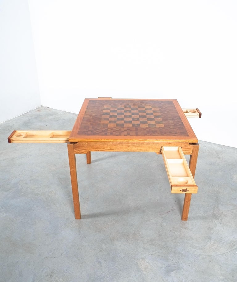 Gorm Lindum Teak Leather Chess or Card Game Table, Tranekær Denmark, 1950 In Good Condition For Sale In Vienna, AT