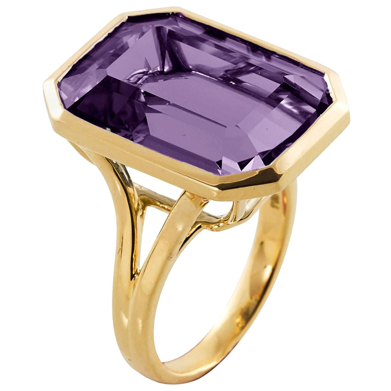 Goshwara Emerald Cut Amethyst  Ring
