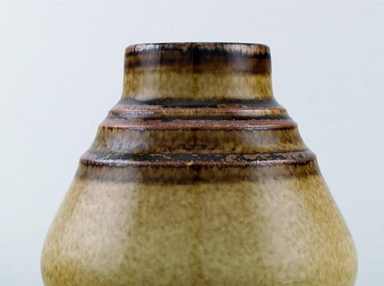 Gösta Andersson for Rörstrand. Vase in glazed ceramics, mid-20th century. Measures: 19 x 5 cm. In very good condition. 1st factory quality. Stamped.