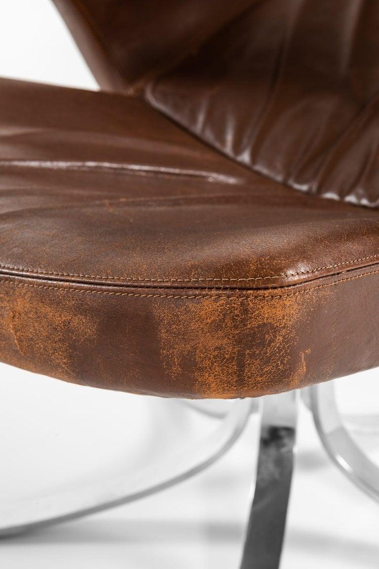 Scandinavian Modern Gösta Berg Easy Chair with Stool Model Måsen / Seagull by Fritz Hansen For Sale