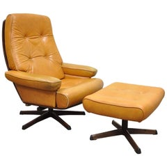 Gote Mobler Nassjo Mid-Century Modern Caramel Leather Lounge Chair and Ottoman