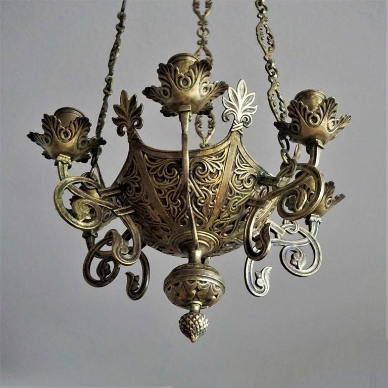 Gothic Revival Bronze Church Sanctuary Lamp Candle Chandelier Spain 18th Century In Good Condition For Sale In Frankfurt am Main, DE