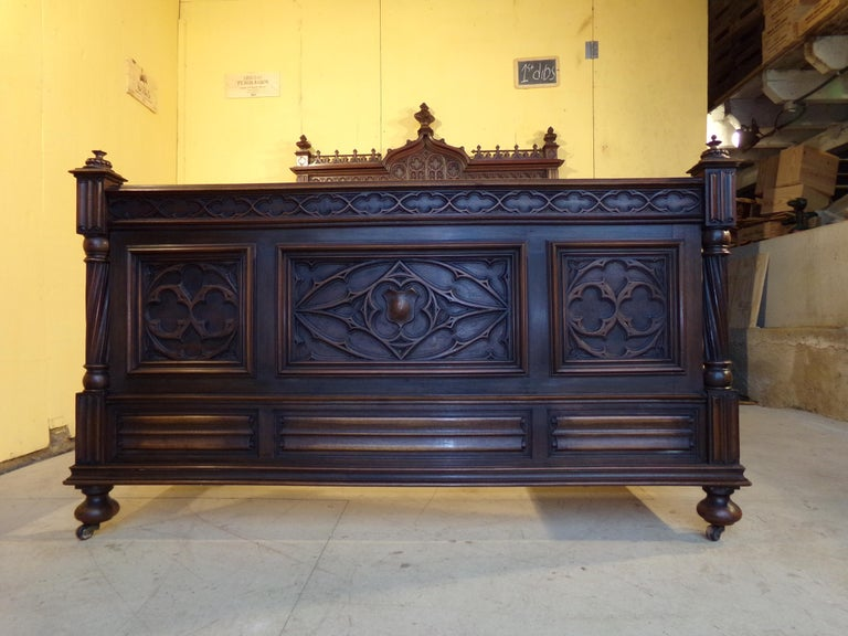 Gothic Revival Carved Double Bed, circa 1890 For Sale 4