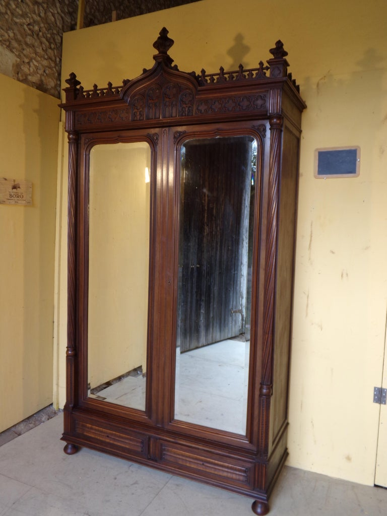 Gothic Revival Carved Double Bed, circa 1890 For Sale 5