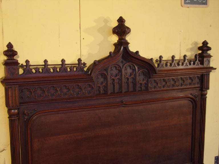 Gothic Revival Carved Double Bed, circa 1890 In Good Condition For Sale In London, GB