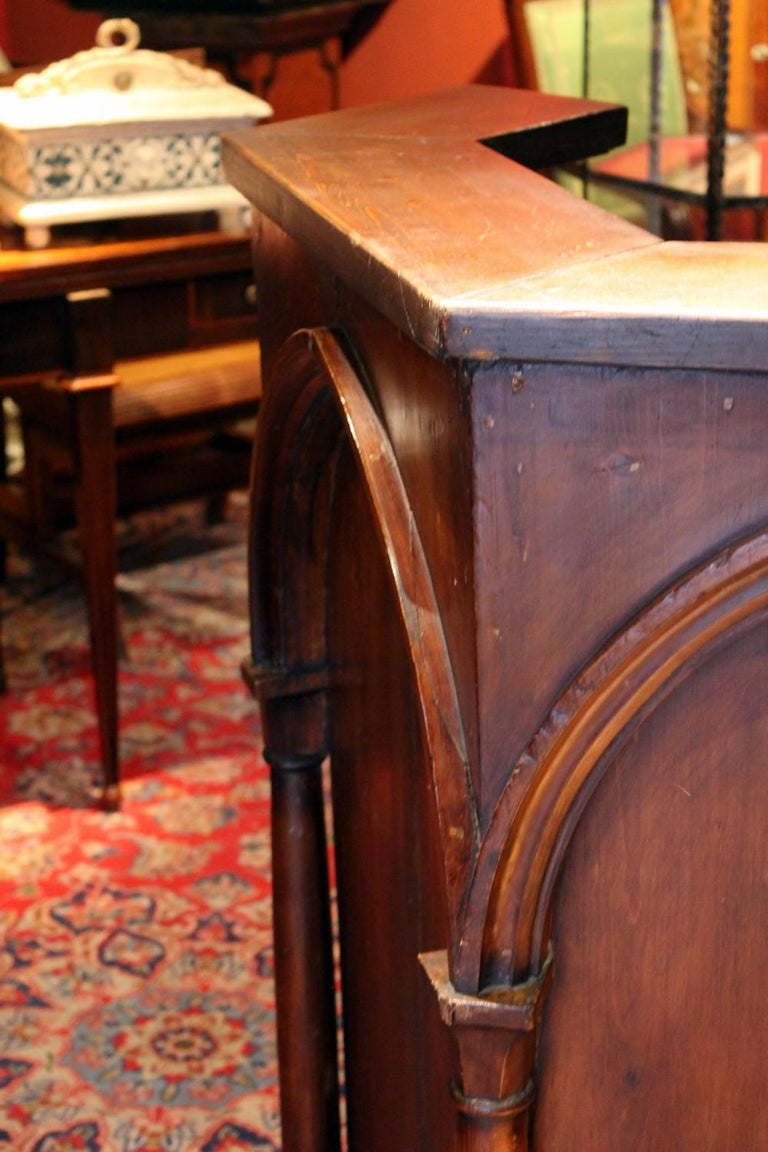 Gothic Revival Carved Walnut Wood Pulpit or Bar Counter Arches and Columns Shape For Sale 4