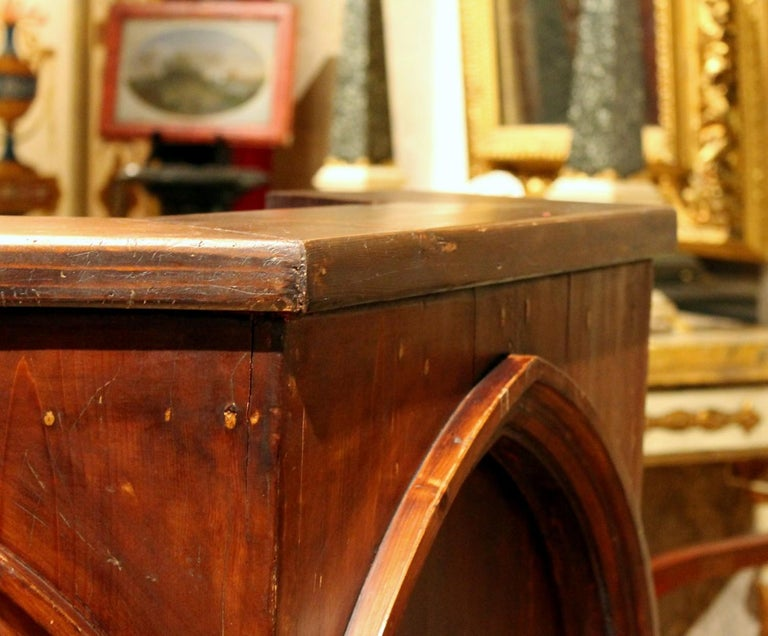 Hand-Carved Gothic Revival Carved Walnut Wood Pulpit or Bar Counter Arches and Columns Shape For Sale