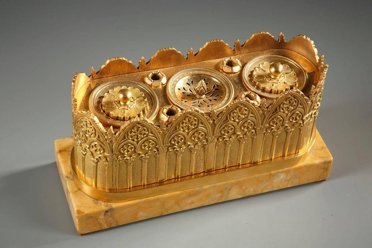 Early 19th Century Gothic Revival Inkwell in Gilt Bronze and Sienna Marble, 19th Century