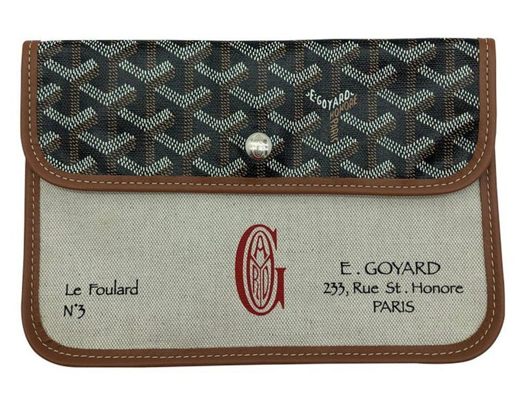 Women's or Men's GOYARD Scarf with leather Pouch - Pink/Green For Sale