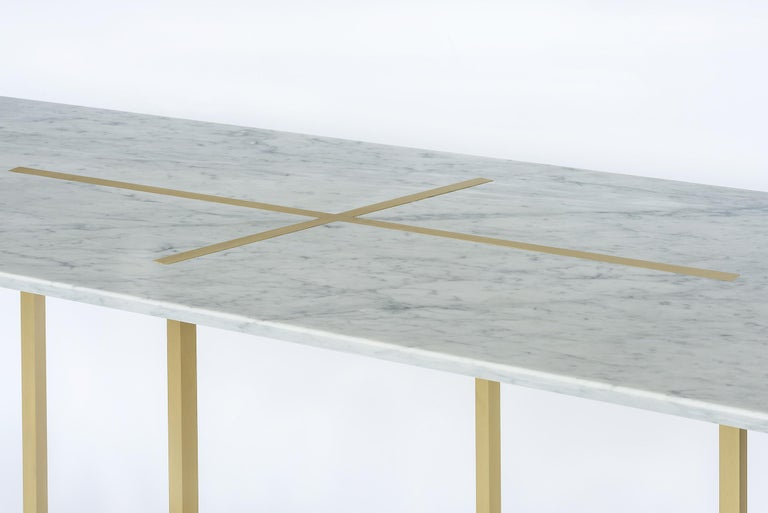 Brushed Grace Table in Brass and Carrara Marble, Made in Italy For Sale