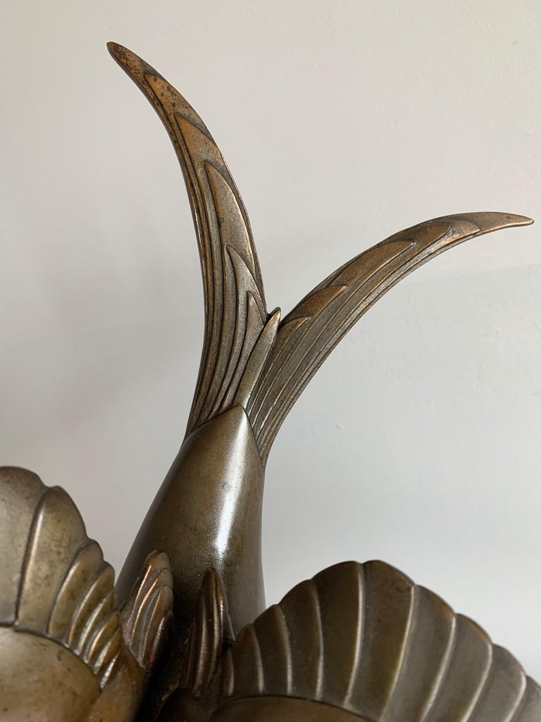 Graceful Art Deco Table / Mantel Clock w Large Stylized Swallow Bird Sculpture For Sale 6