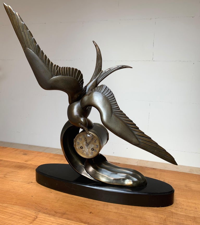 Graceful Art Deco Table / Mantel Clock w Large Stylized Swallow Bird Sculpture For Sale 12