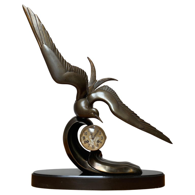 Graceful Art Deco Table / Mantel Clock w Large Stylized Swallow Bird Sculpture For Sale