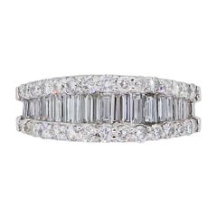Graduated Baguette and Round Brilliant Diamond Band