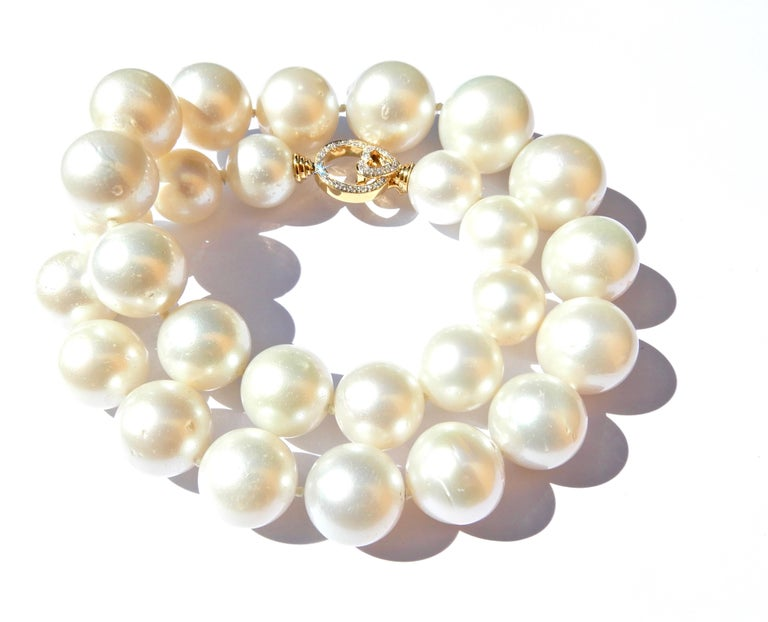 Graduated South Sea Pearl Diamond and 18 Carat White Gold Necklace For Sale 4