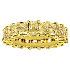 Graduating Fancy Yellow Radiant Cut Diamond Eternity Wedding Band