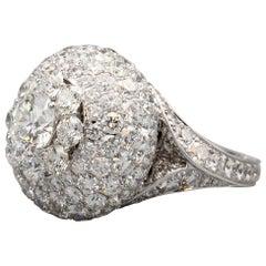 Graff 1.22 F VS2 Diamond and 18 Karat White Gold Dome Ring