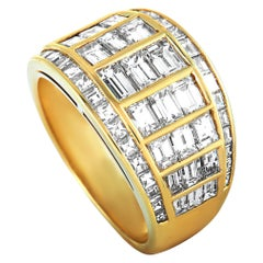 Graff 18 Karat Yellow Gold Diamond Band Ring