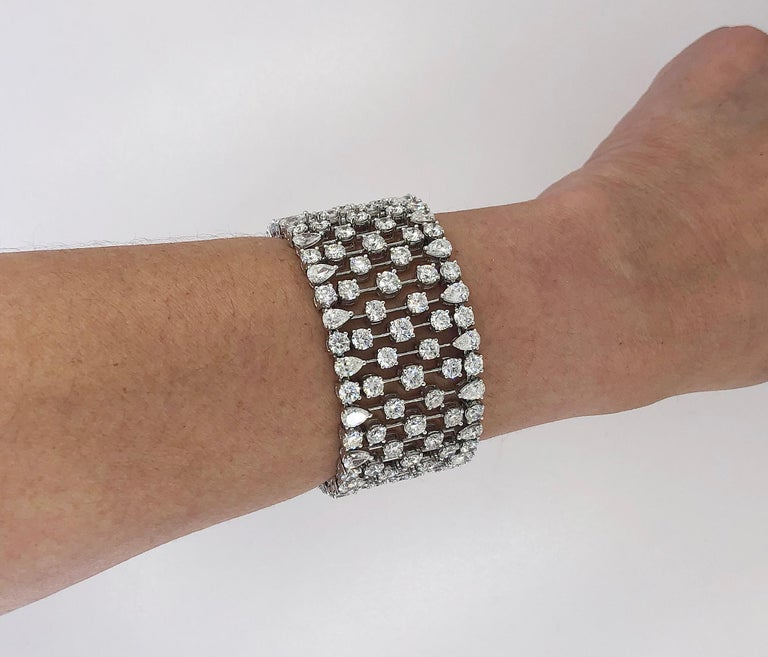 Round Cut Graff Diamond Bracelet For Sale