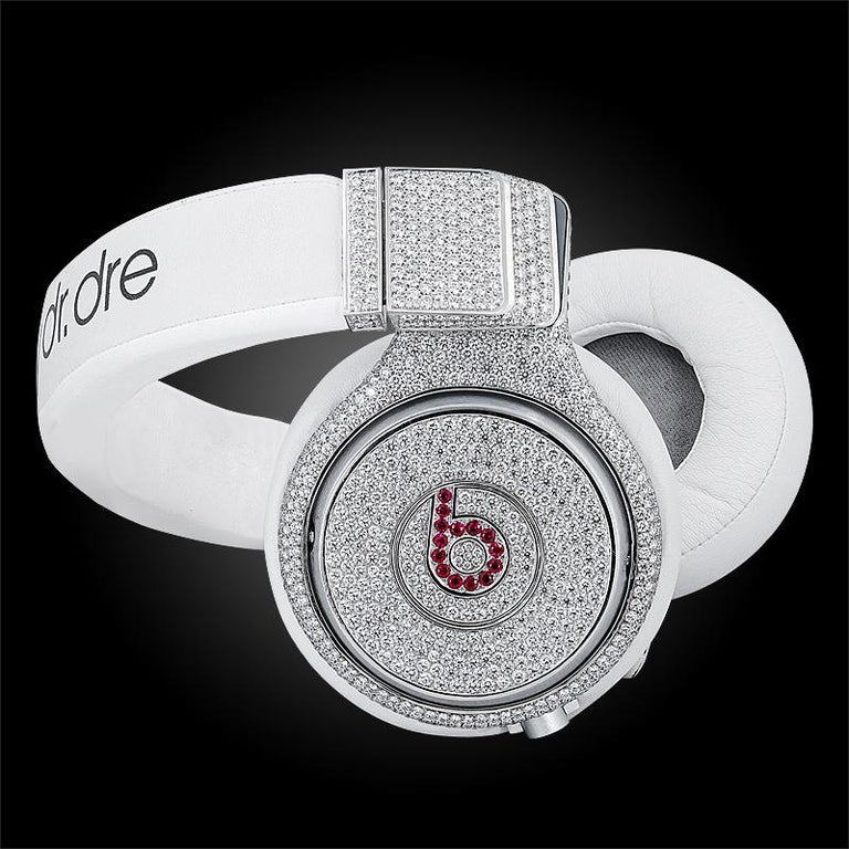 Graff Diamond and Ruby Headphones In Good Condition For Sale In New York, NY