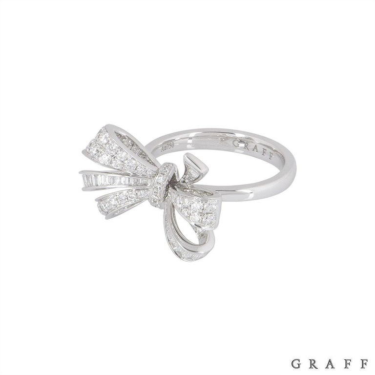 Graff Diamond Set Bow Ring In Excellent Condition For Sale In London, GB
