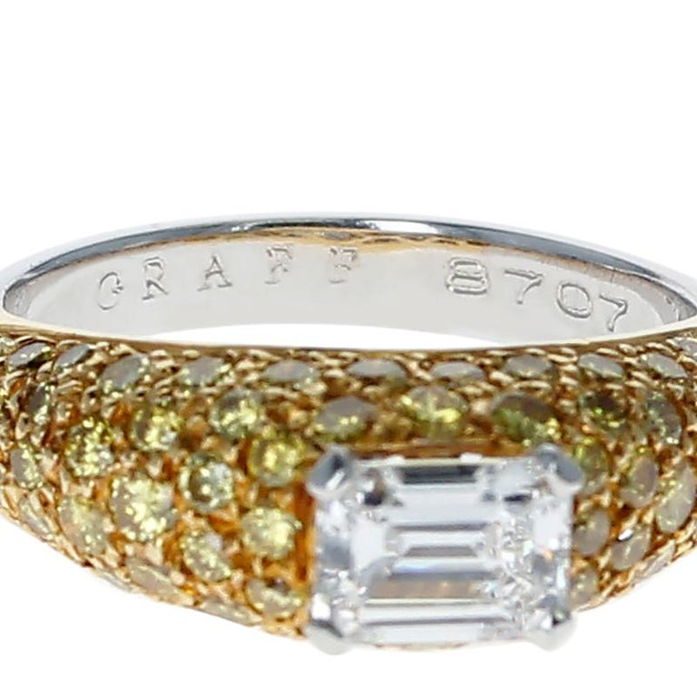 Graff Emerald-Cut Diamond and Yellow Diamond Bombe Gold Ring In Excellent Condition For Sale In New York, NY