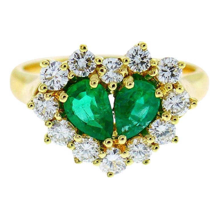 Graff Emerald Diamond Yellow Gold Heart Ring For Sale