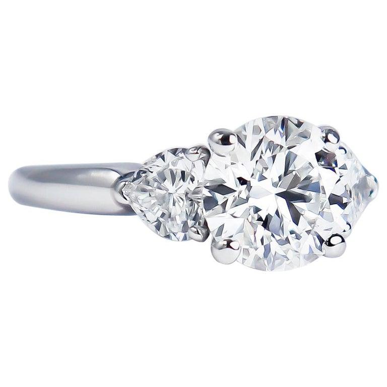 Graff GIA Certified 1.61 Carat Round Brilliant Diamond Three-Stone Ring For Sale