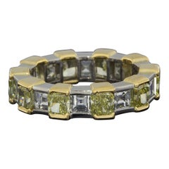 Graff Multi-Tone Gold Emerald Diamond Eternity Ladies Fashion Ring